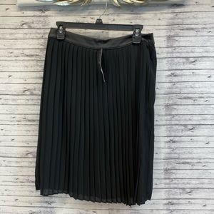NWT Size 10 Mossimo Pleated Knee Length Skirt
